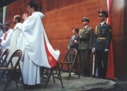 06-09.2000 r. - otwarcie i poświęcenie Polskich Cmentarzy Wojennych-2